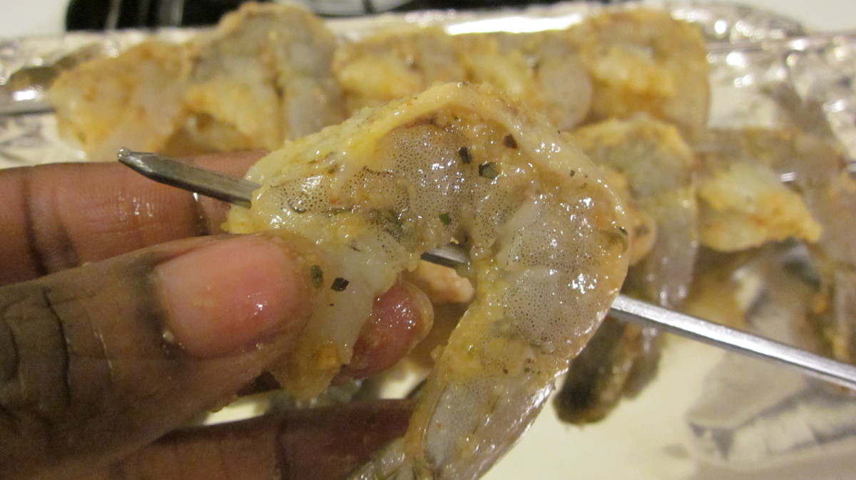 Skewer shrimp from tail to top.