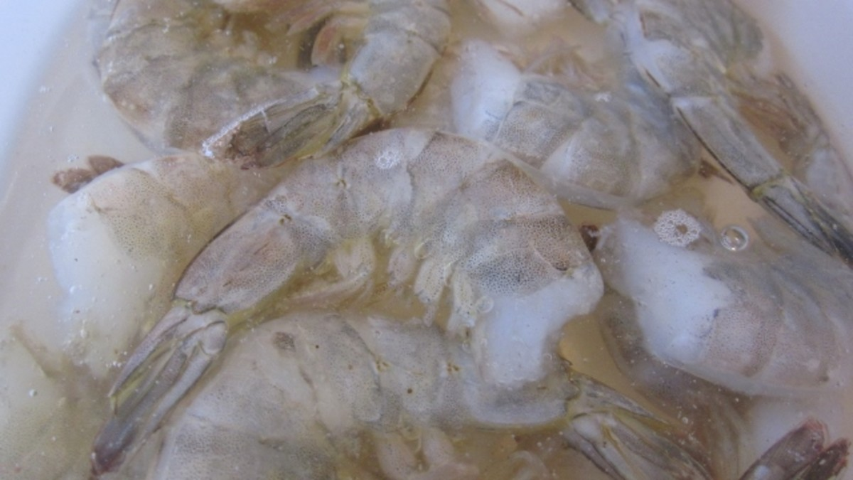 Thaw frozen shrimp in cold water or use fresh shrimp.