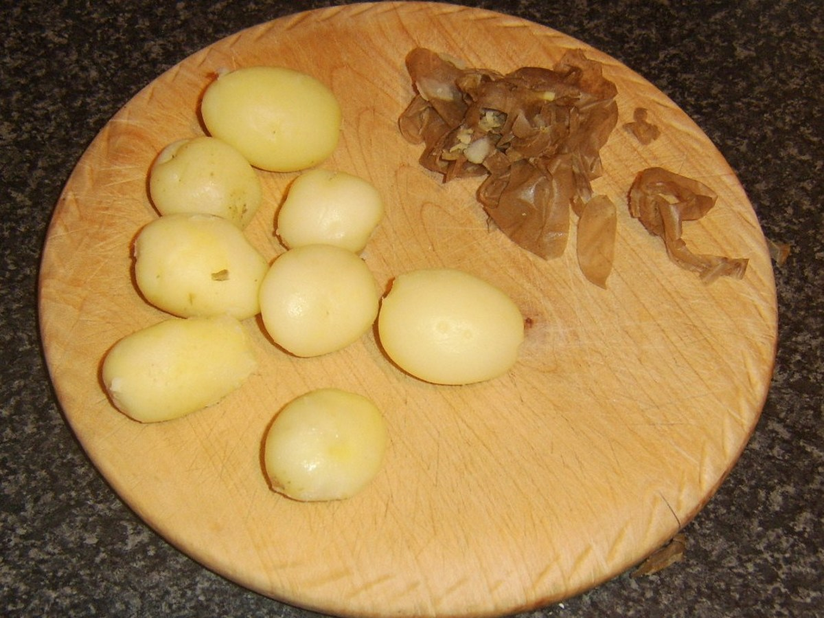 Cooled and peeled potatoes