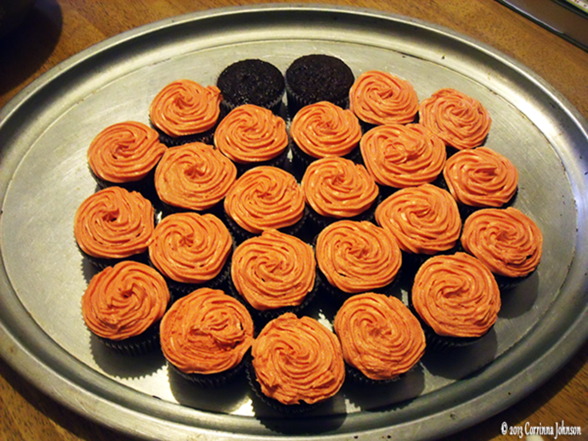 Step 4: Arrange the cupcakes