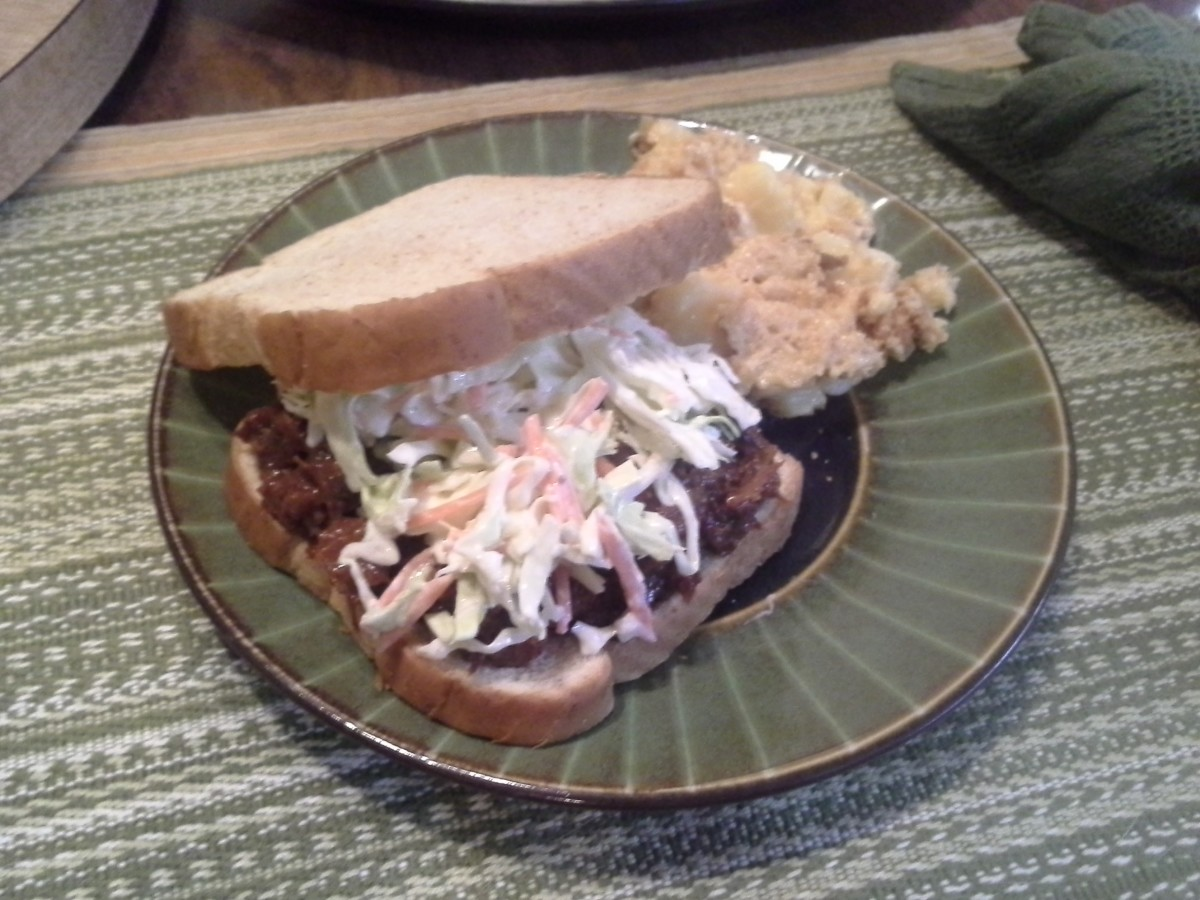 Step Eleven: Top your pork with coleslaw and enjoy!!