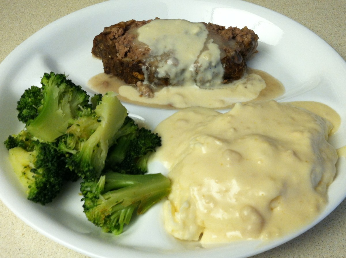 Campbell's Mushroom Soup Meatloaf with Mashed Potatoes and Broccoli