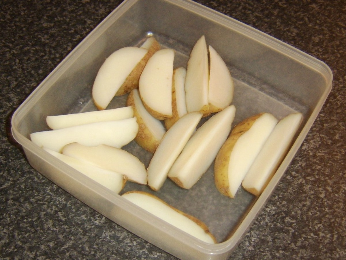 Potato wedges have been parboiled and are ready for fridge