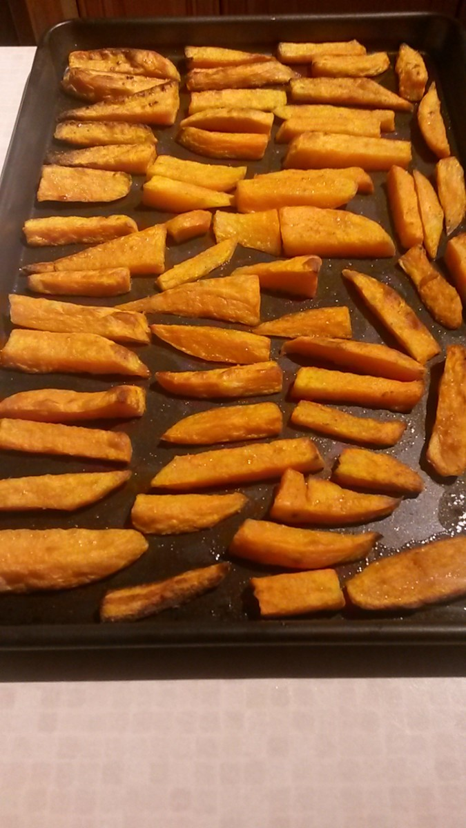 After 25 minutes your spicy sweet potatoes fries are ready to enjoy and smelling delicious!