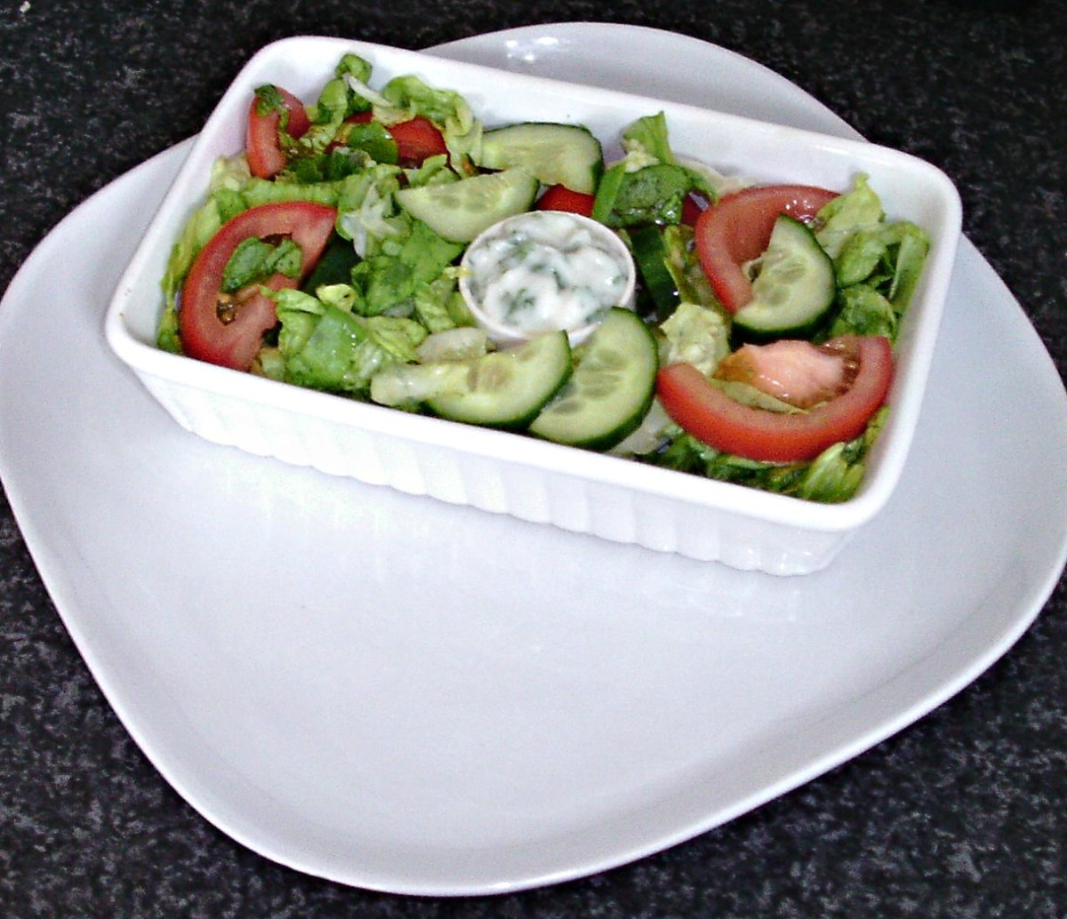 Simple salad and garlic mayo