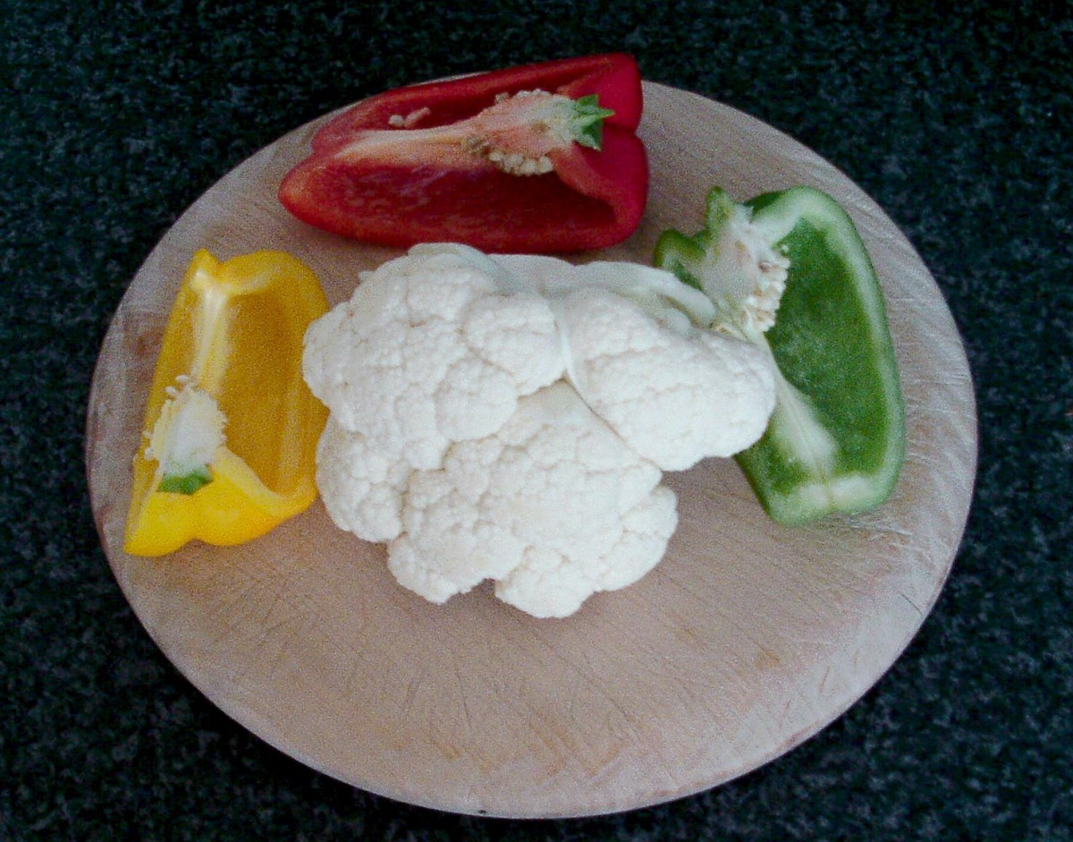Cauliflower and bell peppers
