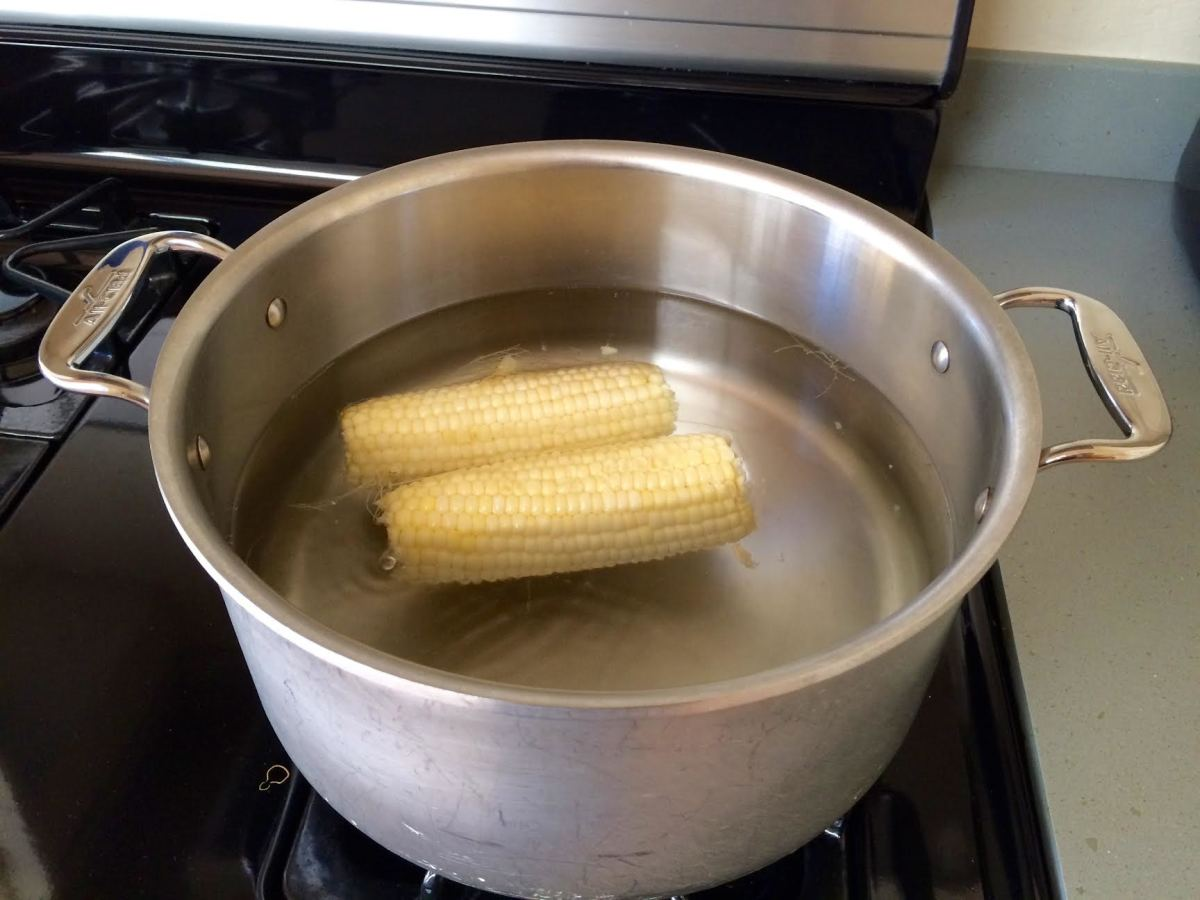Bring a pot of salted water to the boil. Cook the corn for 3-5 minutes, or until tender.