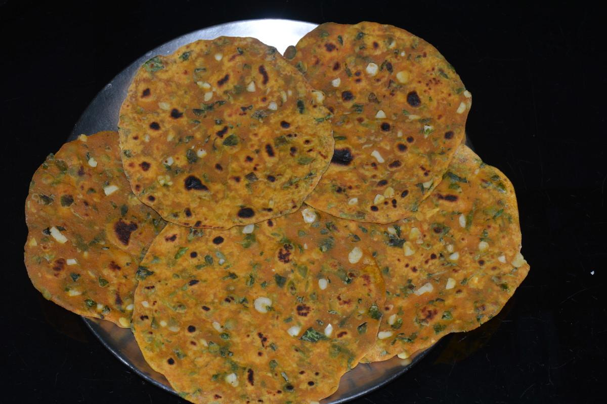 healthy-foods-pancakes-garlic-and-fenugreek-greens-pancake-recipe