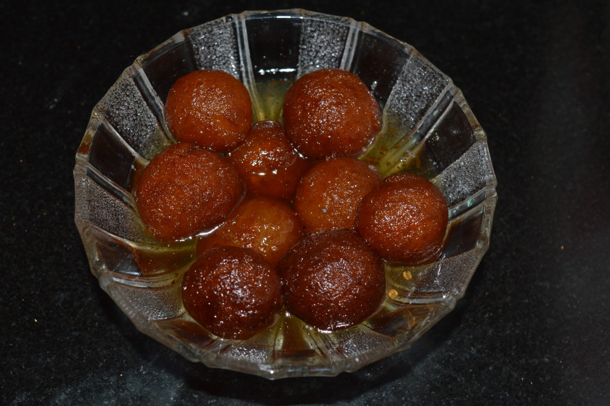 How to Make Gulab Jamun Desserts