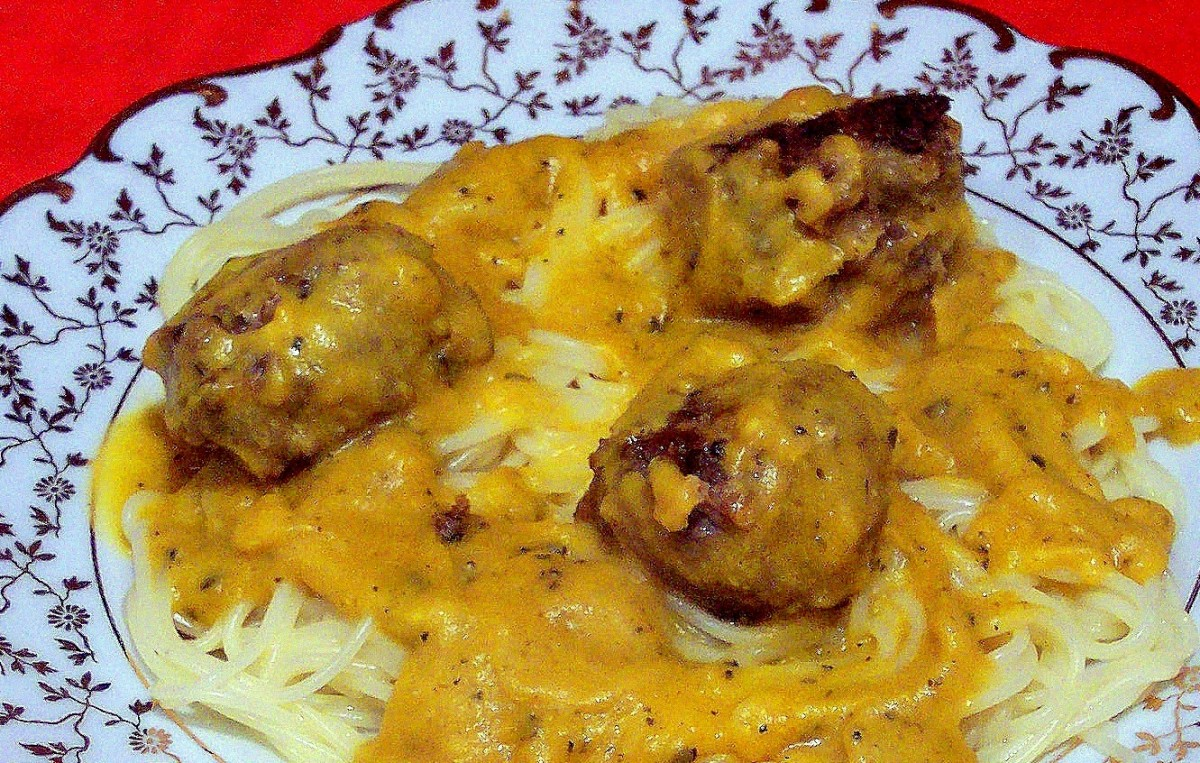 Mangia--for non-Italians, Eat.