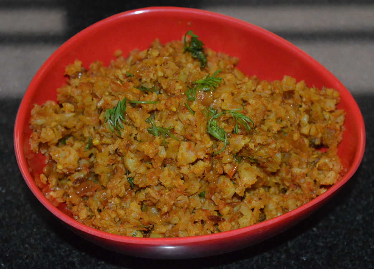 Serve this curry hot with roti, chapati, flatbread, or rice. Enjoy the yummy taste!
