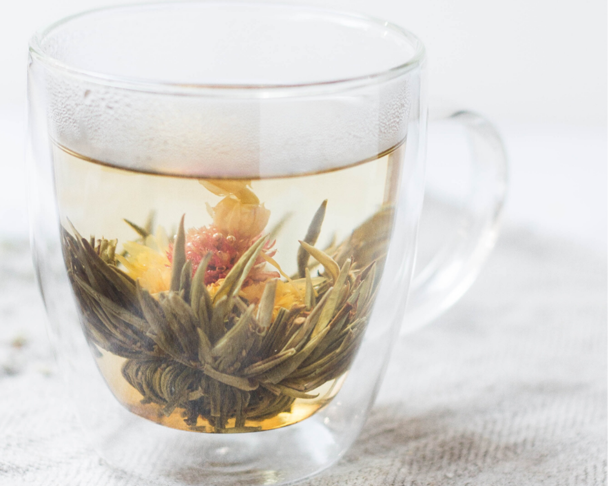 Which herbs and spices taste best in tea?