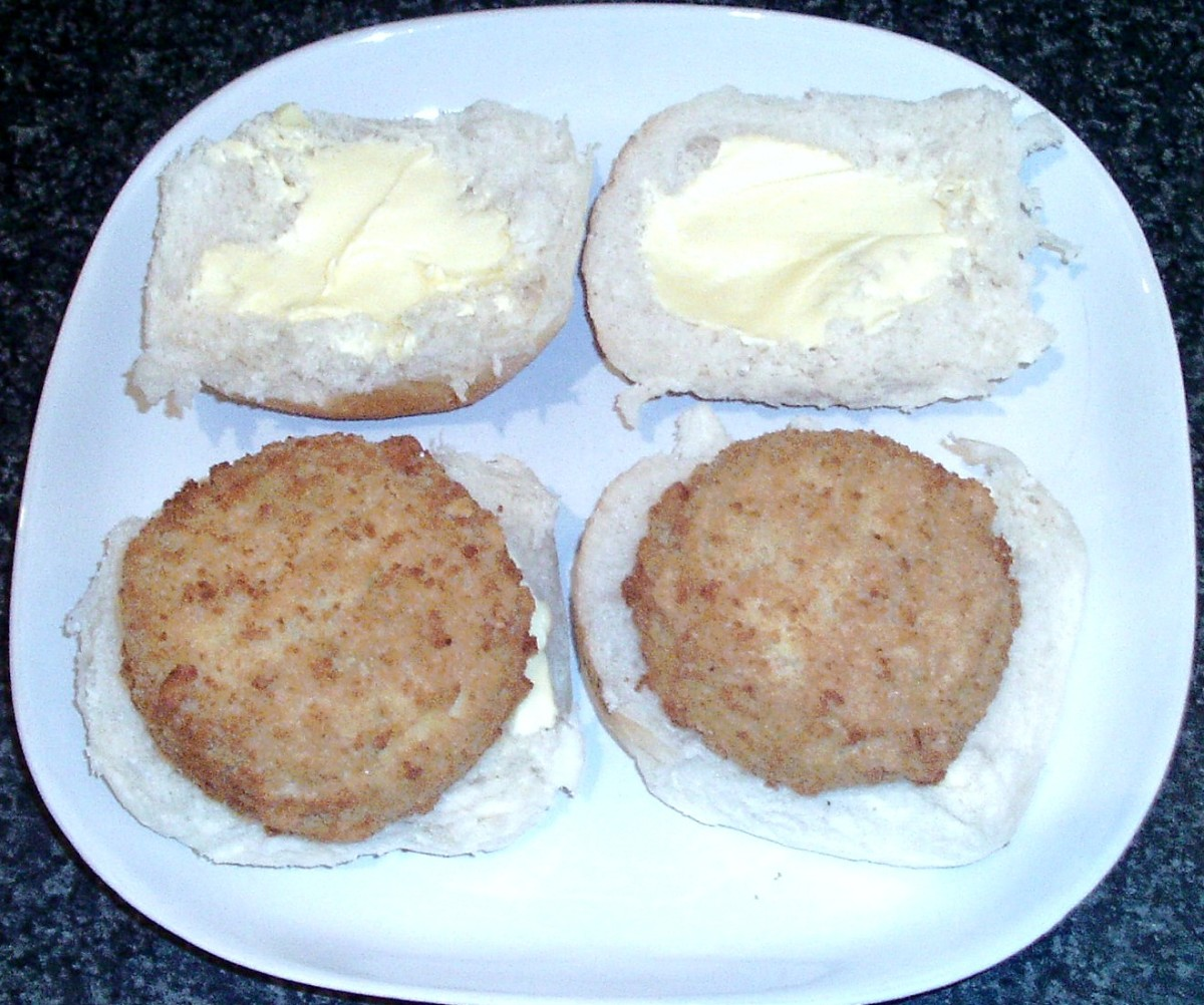 Smoked haddock fishcakes on bread rolls