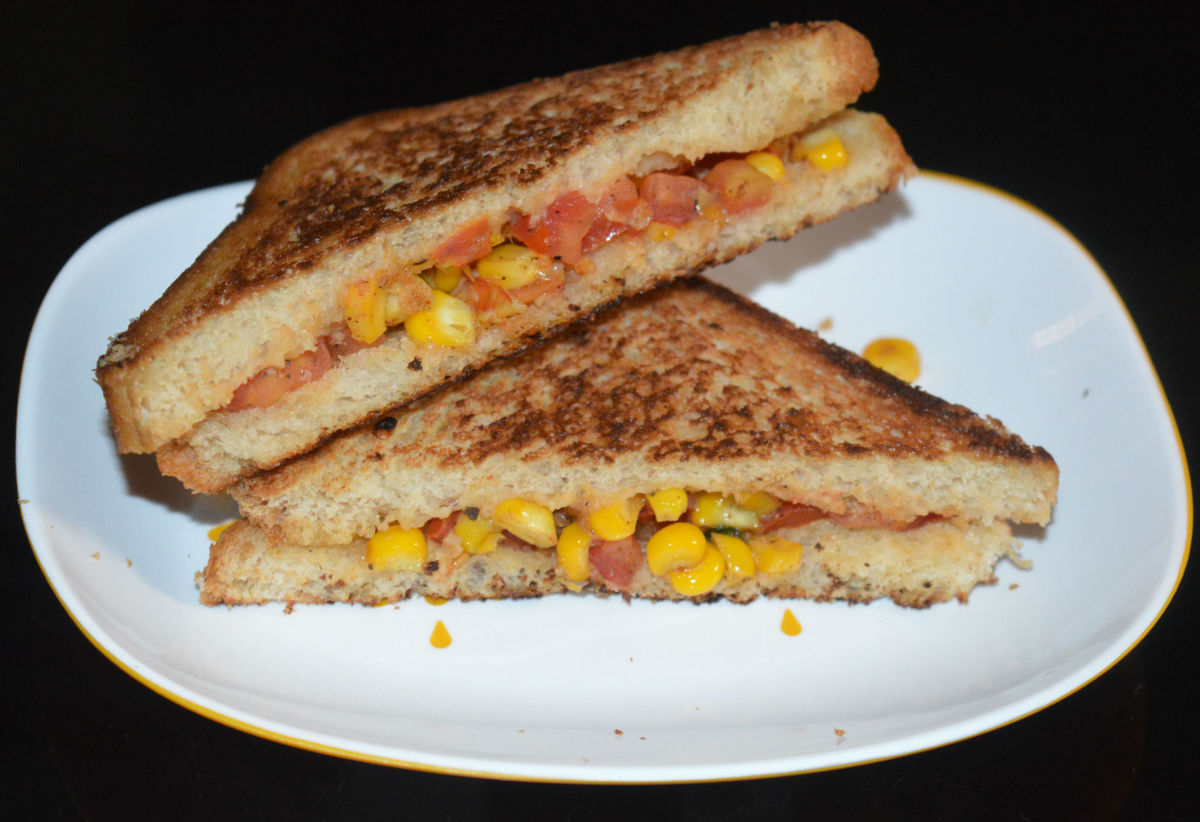 Enjoy eating these hot and yummy sweet corn sandwiches!