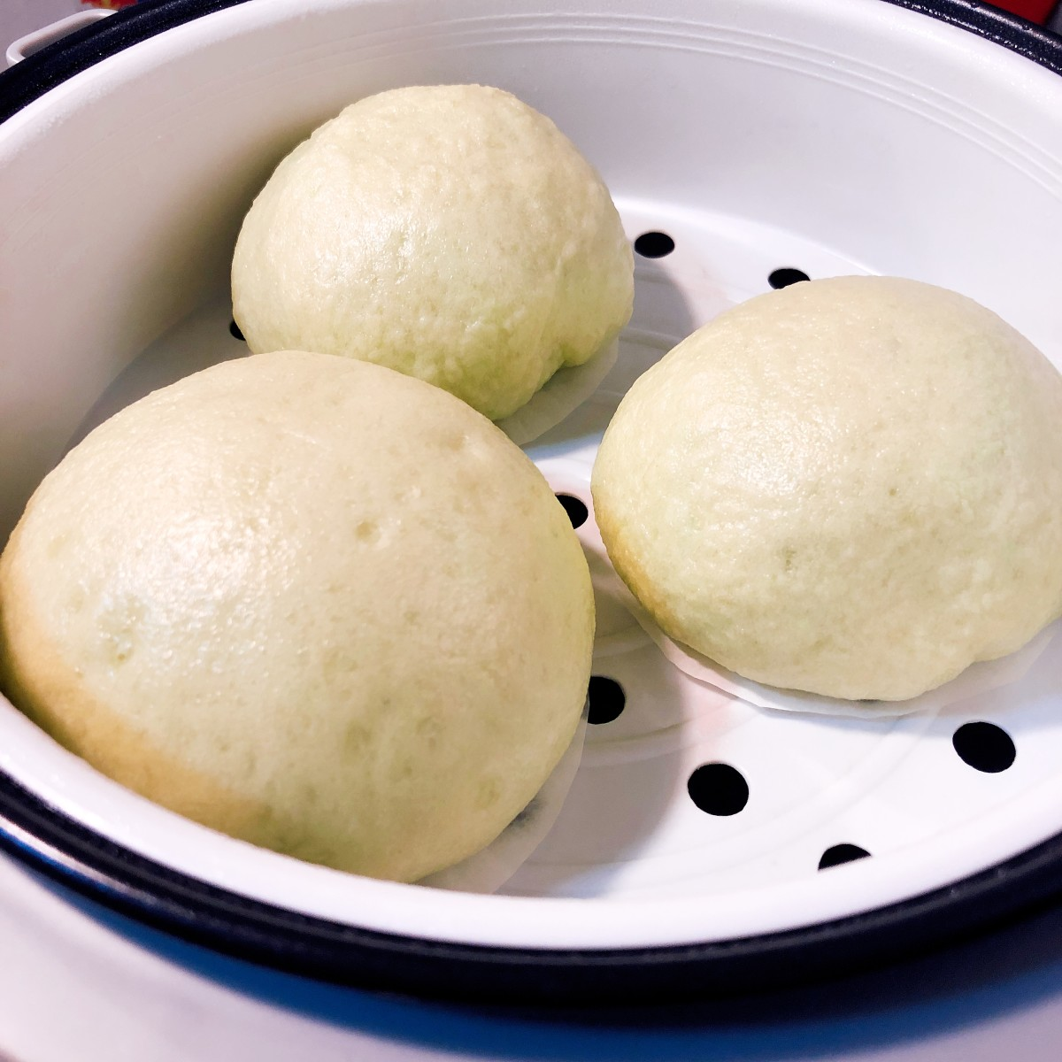 Steamed buns are done.