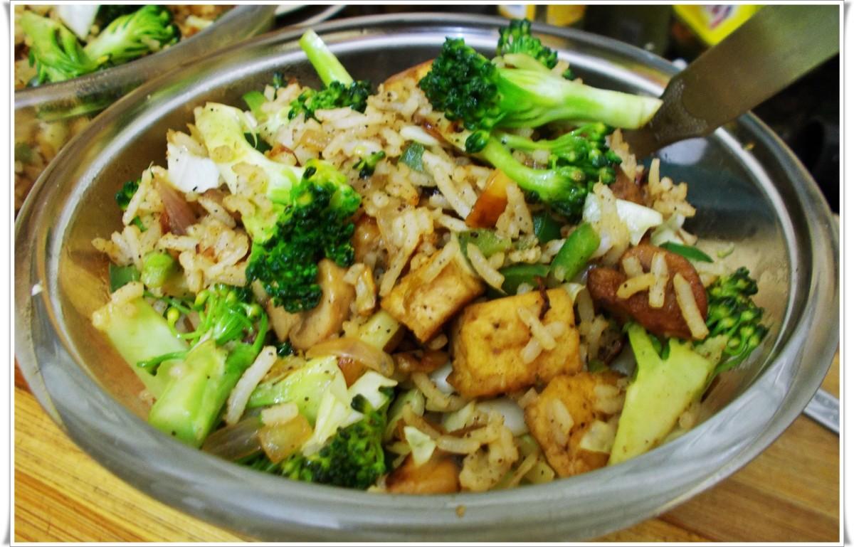 Tofu-mushroom-broccoli fried rice without carrots.