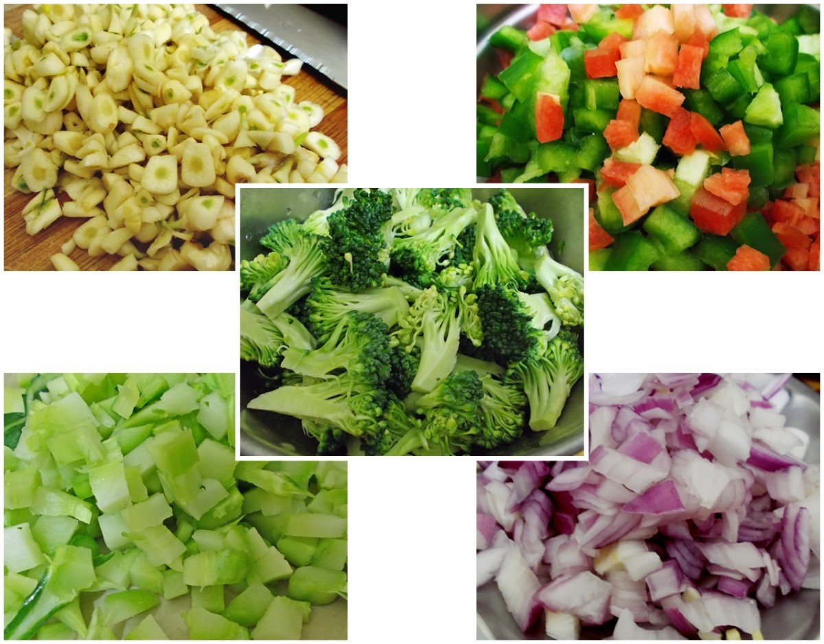 Ingredients: garlic, carrots and capsicum, broccoli stem, onion, and broccoli florets.