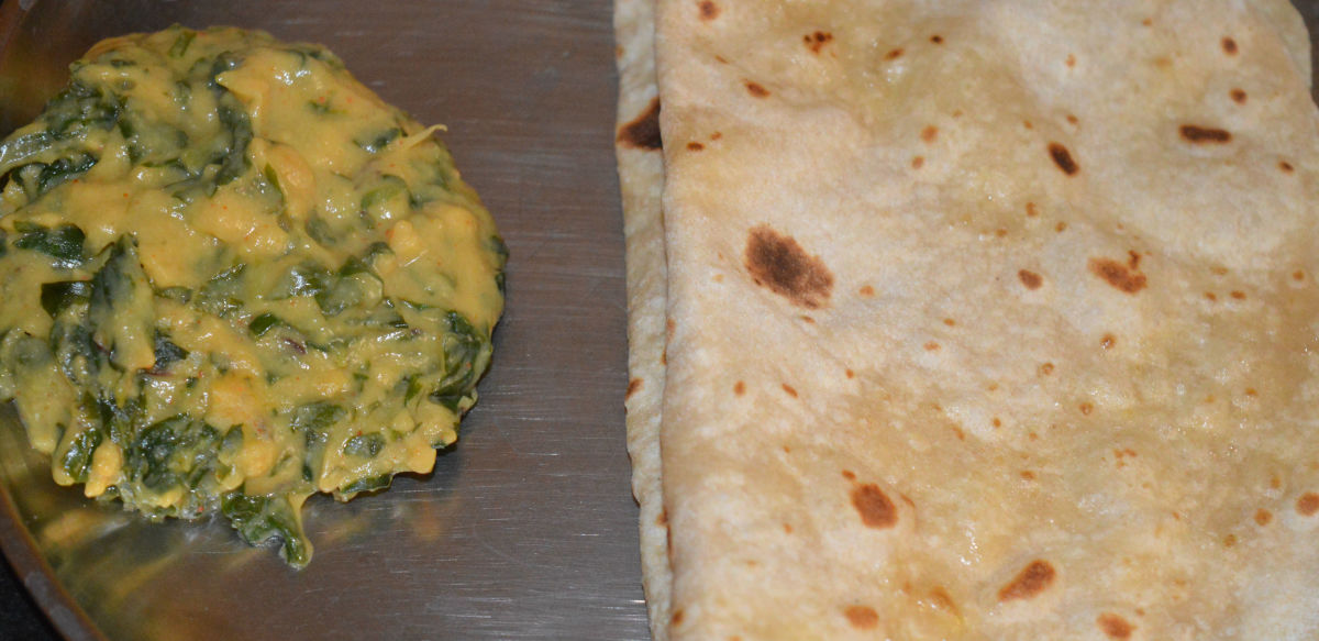 This curry goes well with a variety of flatbreads.