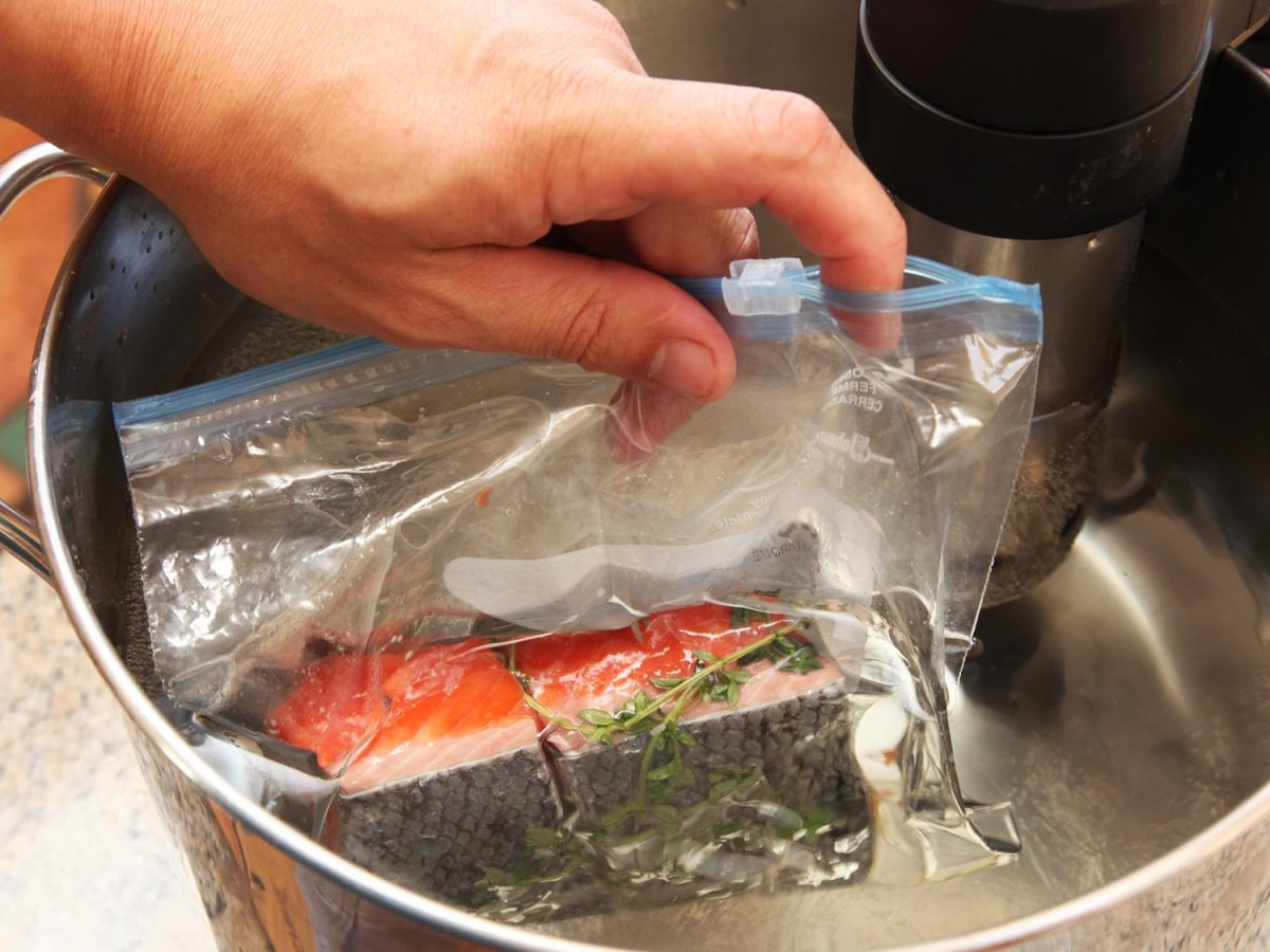 Sous vide cooking salmon