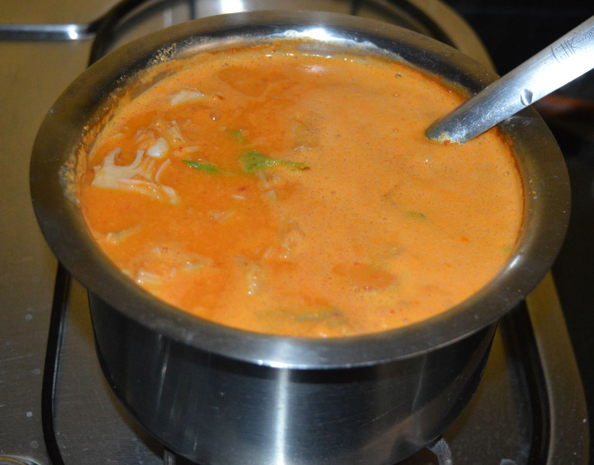 Now, you have to add a tempering to this sambar, as per instructions.
