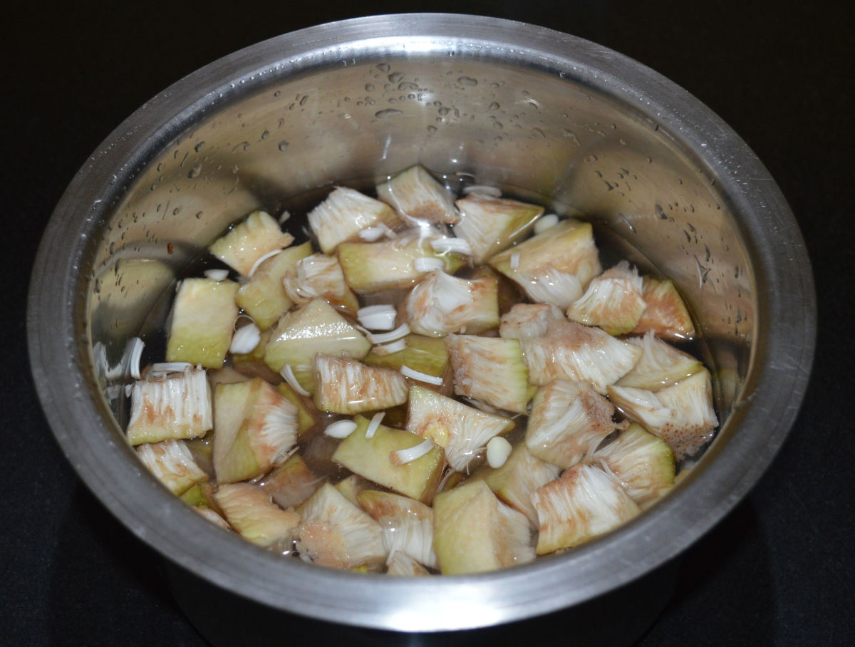 Step one: Make jackfruit pieces as per instructions. Immerse them in water.