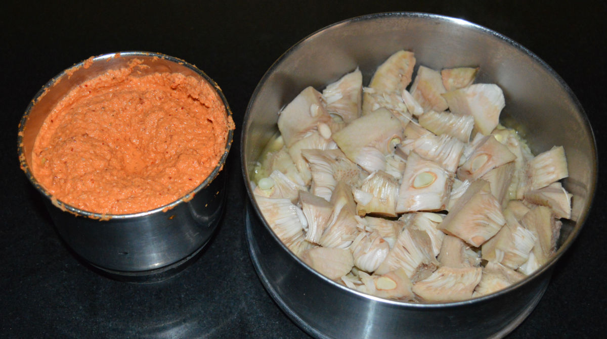 Cooked lentil and jackfruit with masala paste