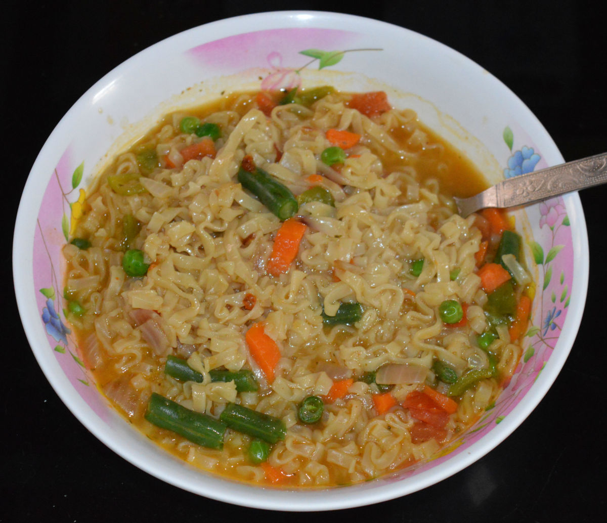 how-to-make-yummy-instant-noodles-with-veggies