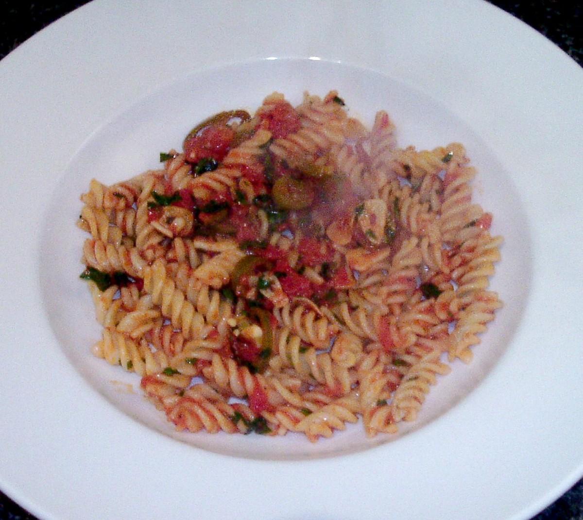 Spicy tomato fusilli pasta