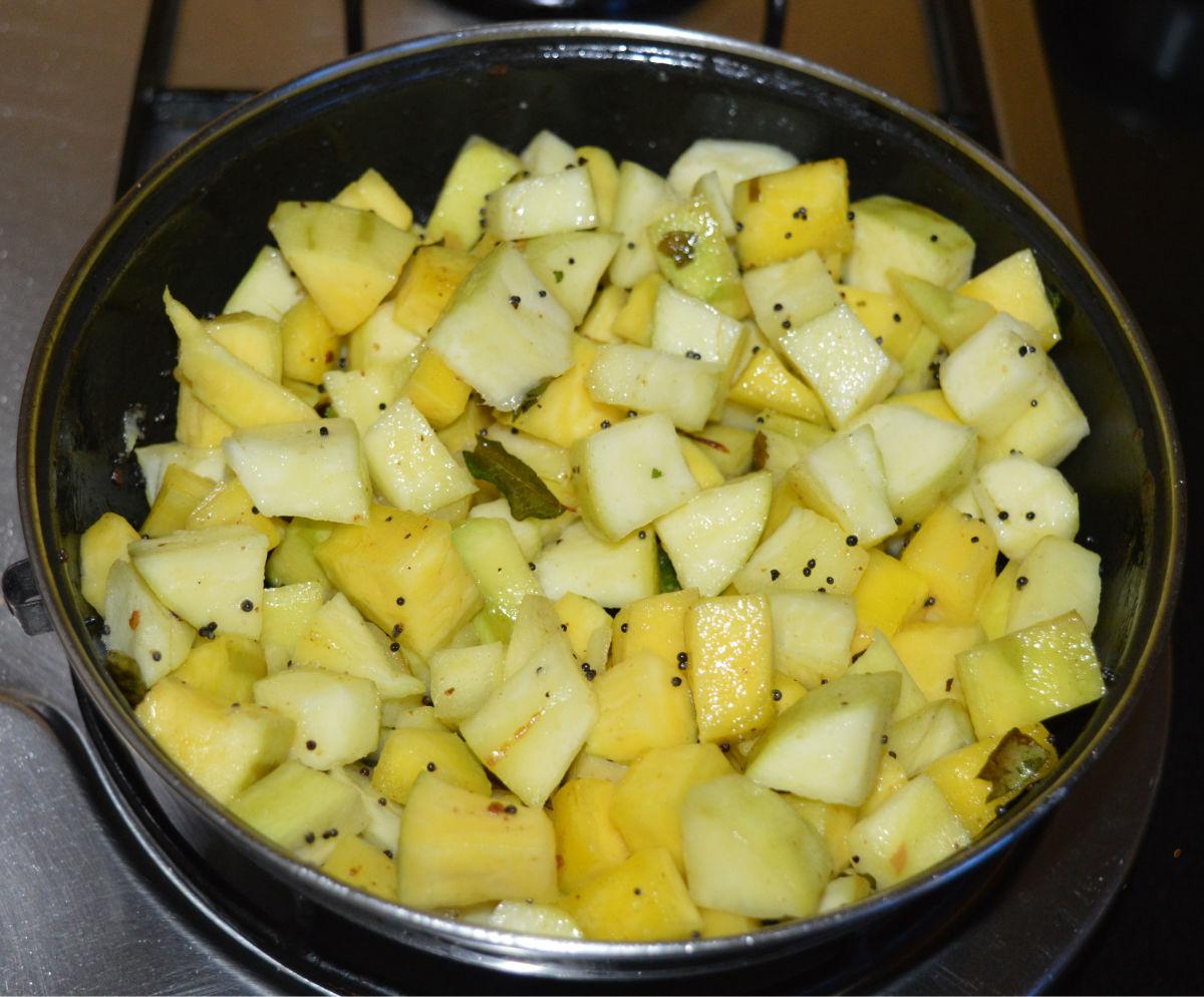 raw-mango-stir-fry-palya-recipe