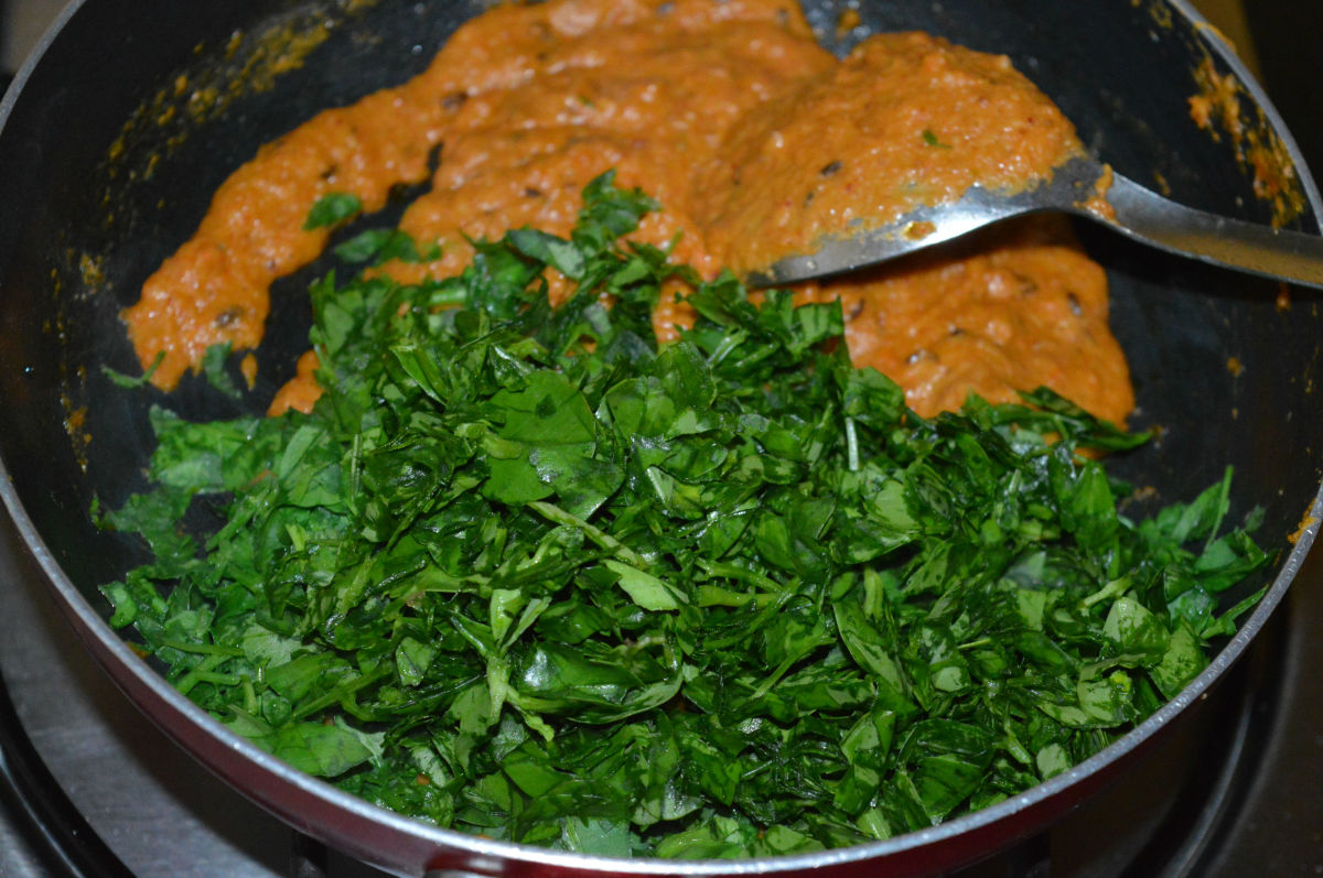 Step four: Add chopped fenugreek leaves and stir cook for 3 minutes.