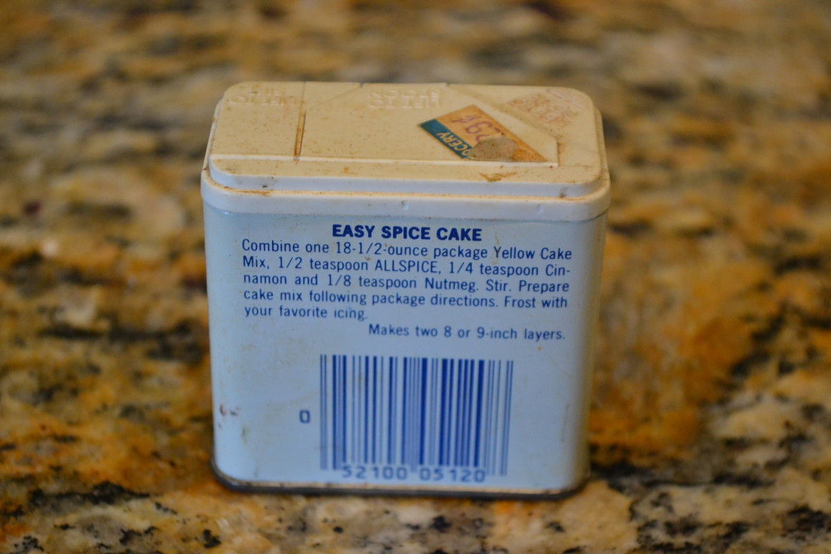 My old allspice tin with the original recipe from McCormick Spice Co. This little tin dates to around 1985 or 1986. It does have a barcode, so it's not exactly ancient.