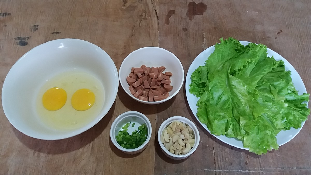 ingredients for breakfast ideas with eggs