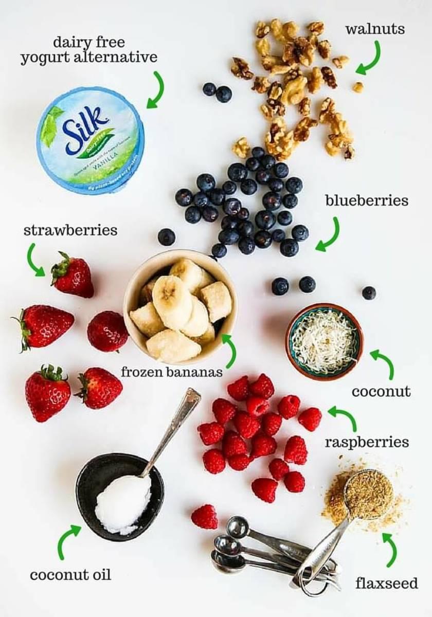 Smoothie bowl ingredients.