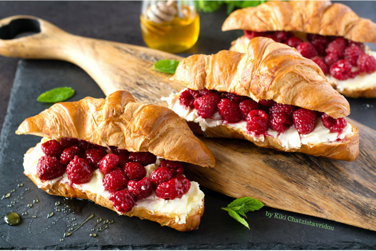 Brunch Treat: Mascarpone & Berry Croissant