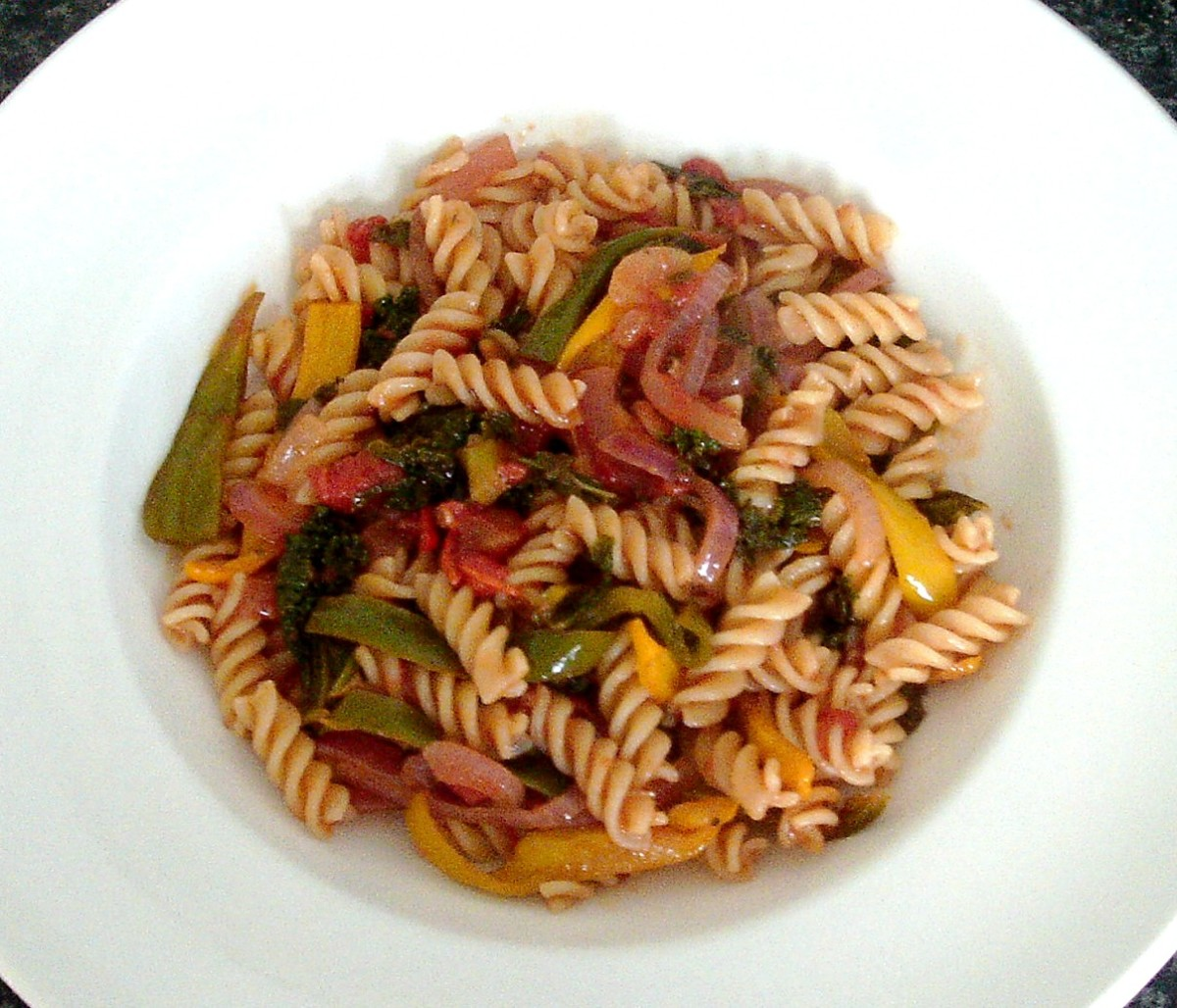 Kale and mixed vegetables fusilli pasta