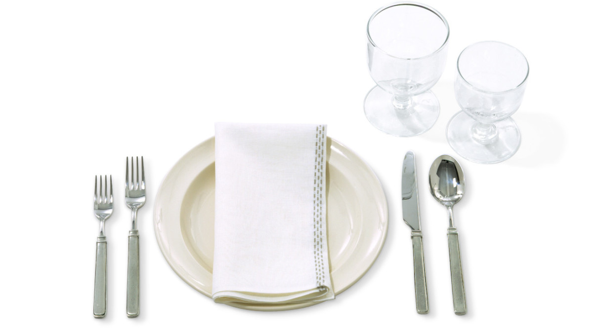 basic-table-etiquette-and-simple-tips