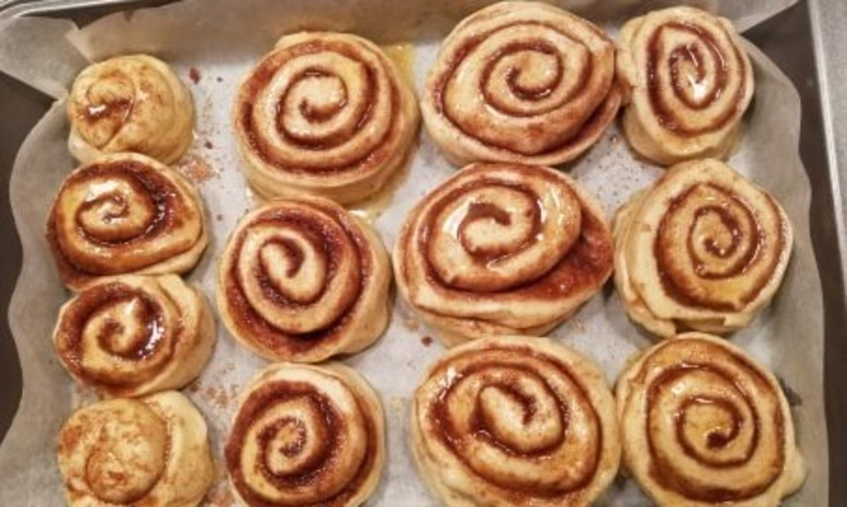 Spacing of the rolls before baking (if you like them touching when they are done baking)