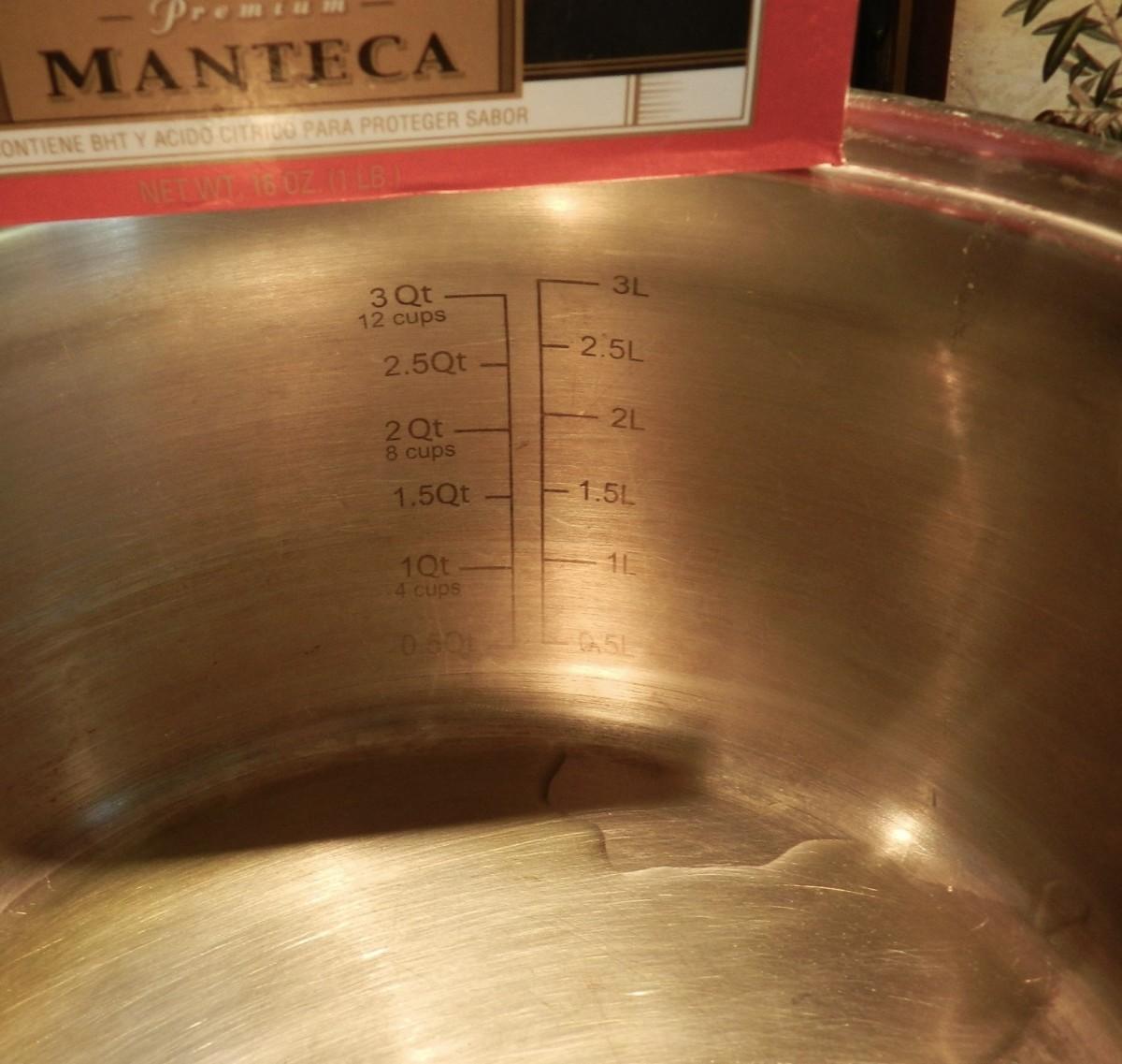Heat oil in medium-hot pan.