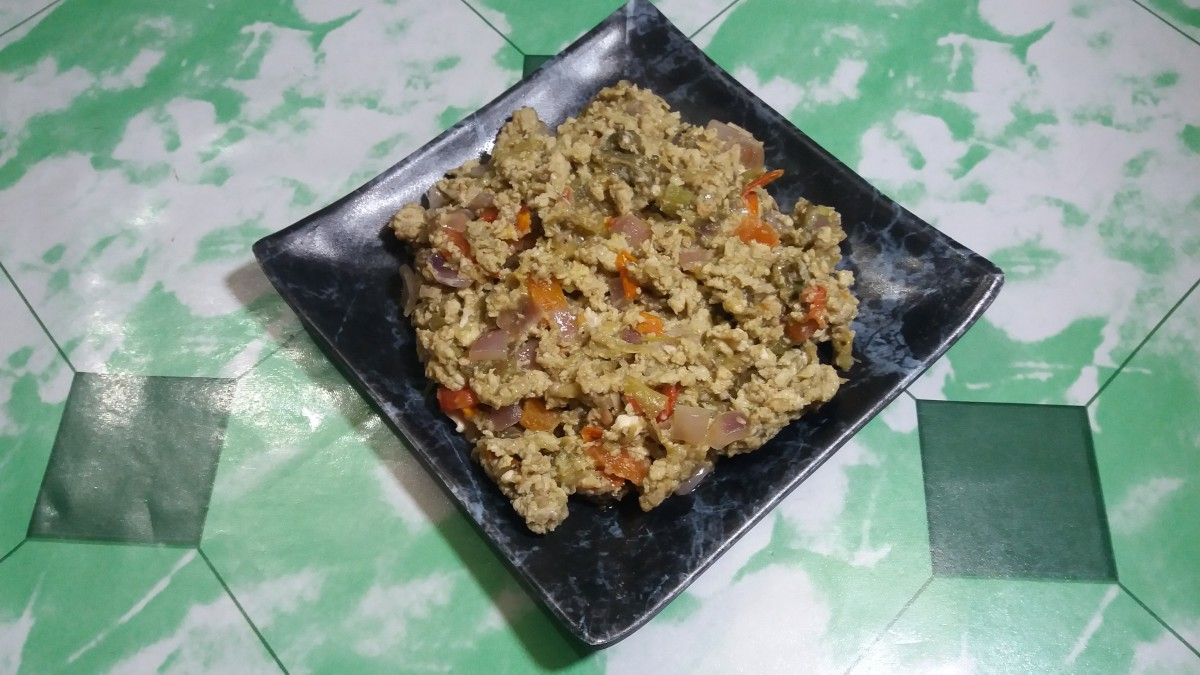 This dish originates from the Filipino province of Ilocos.