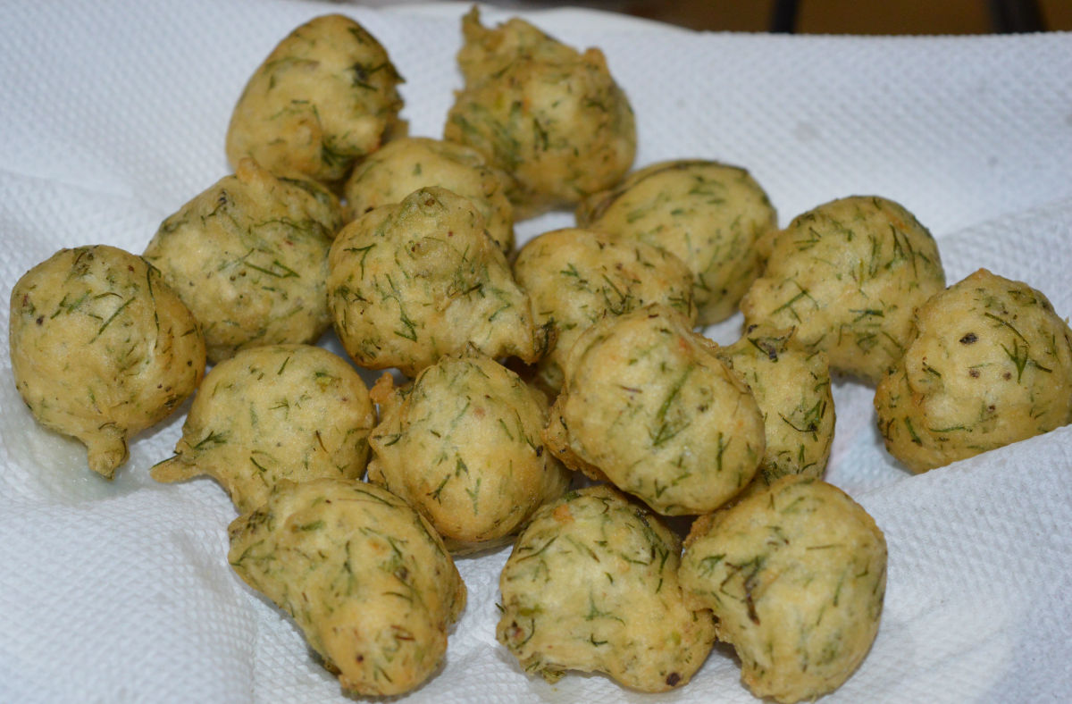 Lentil and dill leaf pakora (fritters)