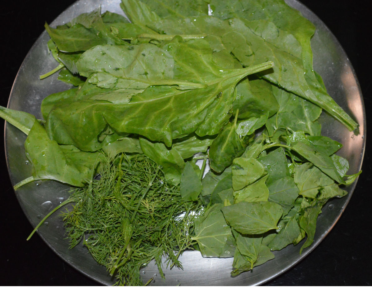 Wash leafy green veggies. I used mixed greens, but you can choose to use just one type of leafy green, if you prefer (spinach is a good choice).