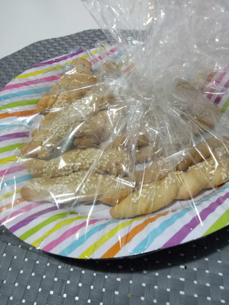 Koularakia wrapped and ready for Easter gift giving!