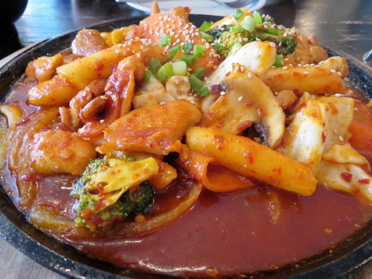 Korean-style dak-galbi