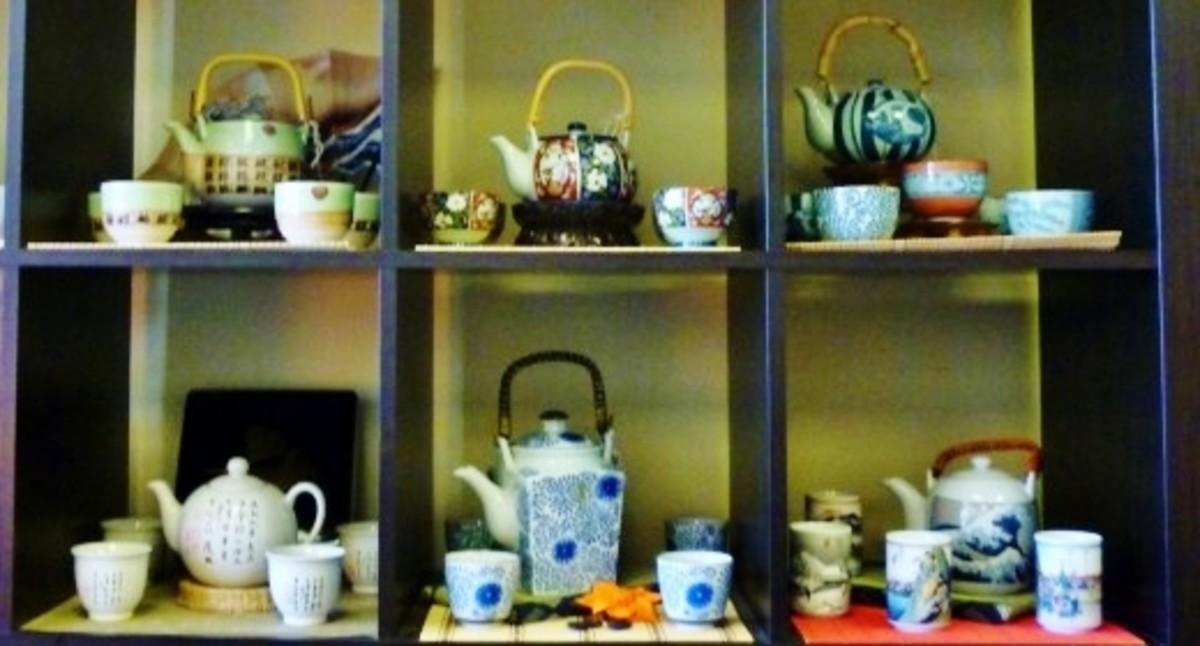 Teapots and cups for sale