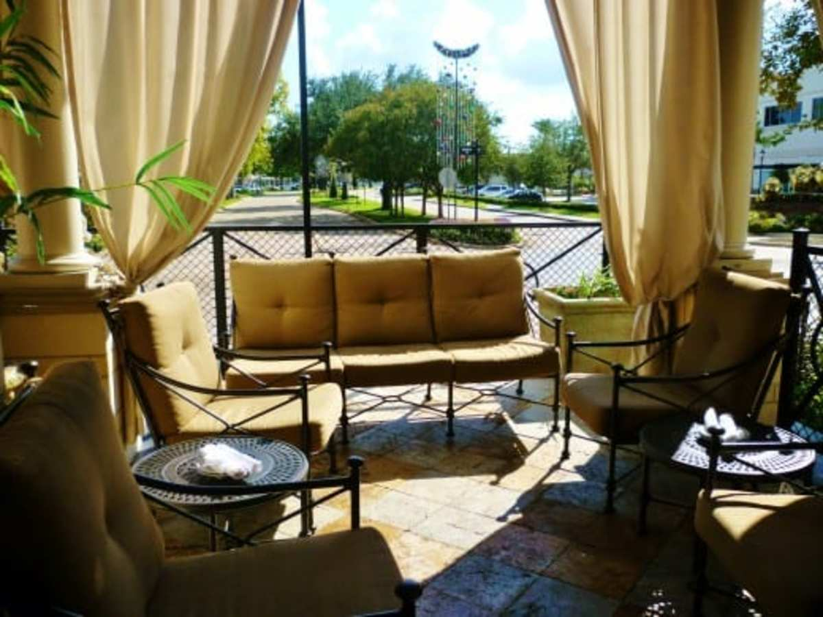 Outdoor dining and lounge area