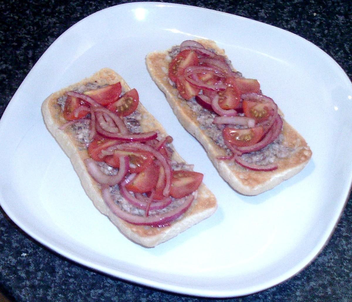 Mashed sardines on bruschetta with balsamic salad