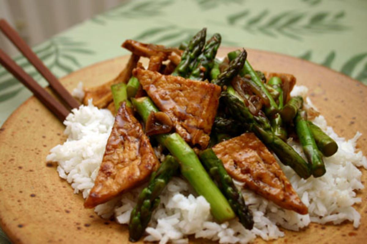 tofu asparagus stir-fry using tofu made with the dry-fry method