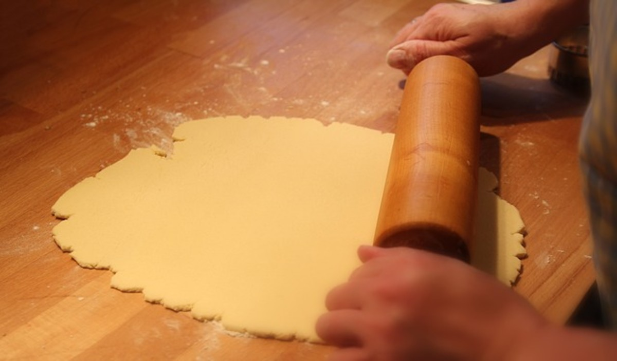 Roll out the pasta dough.