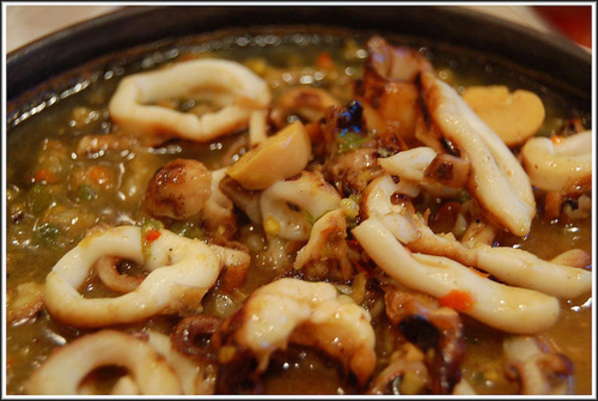 Squid sisig (photo courtesy by coe5bees from Flickr).