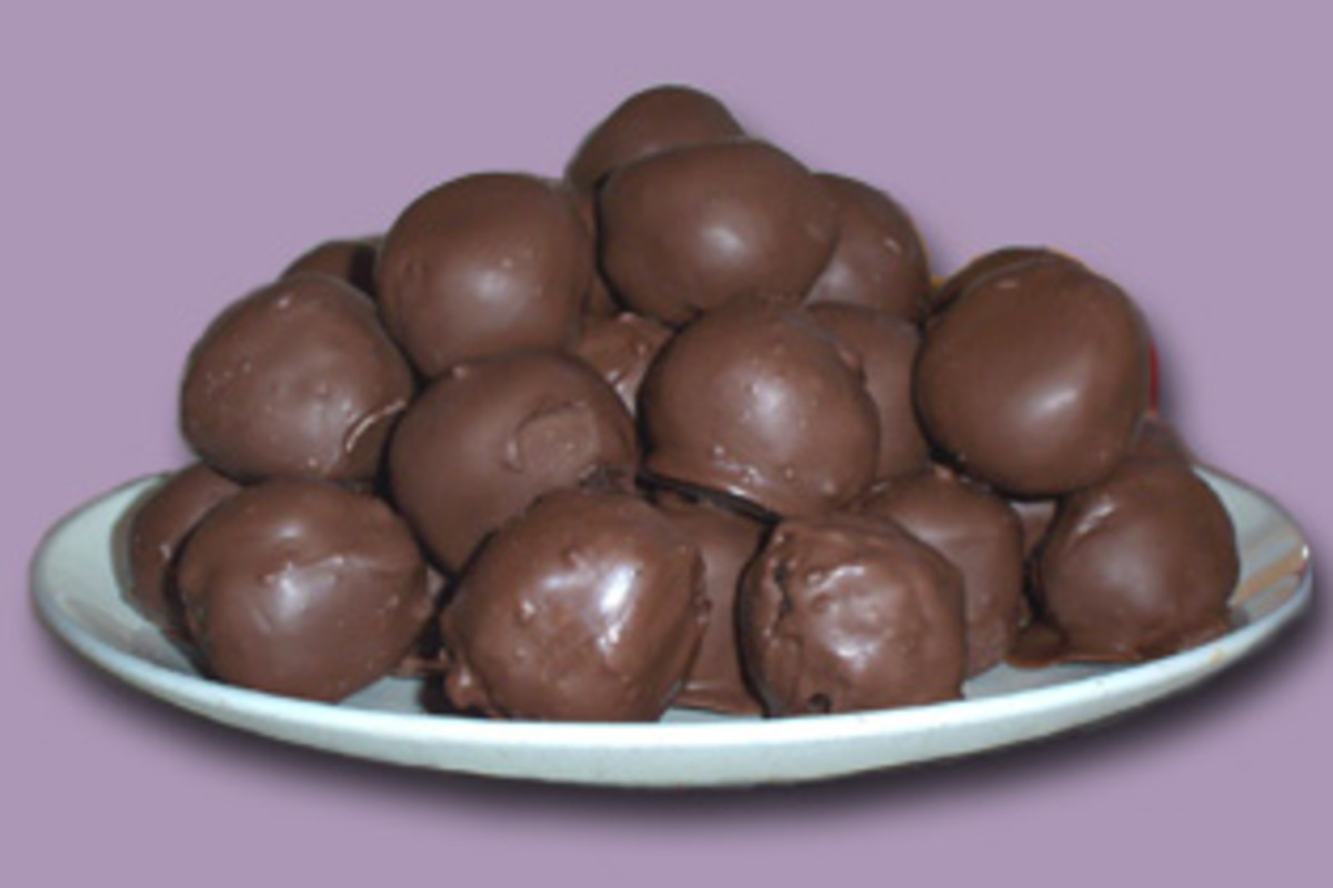 My first attempt at making cake balls turned out pretty yummy!